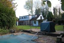 DENHAM AVENUE Detached house to rent