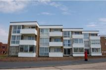 2 bed Flat to rent in Beach Court...