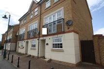 3 bed Town House to rent in LAKEVIEW WAY...