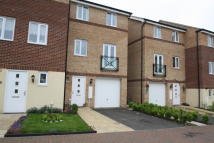 3 bed Town House to rent in TEASEL WAY, Peterborough...