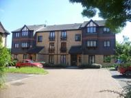 2 bedroom Flat in Silver Close, London...