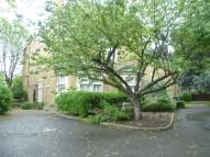 Flat to rent in Avonley Road, London...