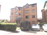 Flat to rent in Glenville Grove, London...