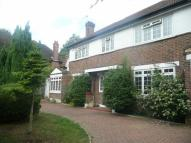 5 bed house in Foxgrove Avenue...