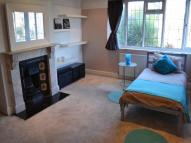 Studio apartment to rent in Burnt Ash Hill, London...