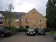 2 bed Ground Flat for sale in St. James Gardens...