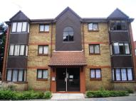 1 bed Flat in Waterside Close, Barking...