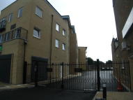 2 bedroom Flat in Green Lane, Ilford, IG3