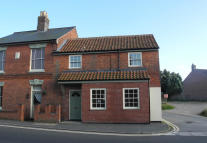 3 bed semi detached property for sale in High Street, Kessingland