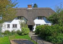 Cottage for sale in Upper Clatford, Andover...