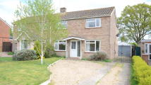 3 bedroom semi detached house to rent in Chestnut Crescent...
