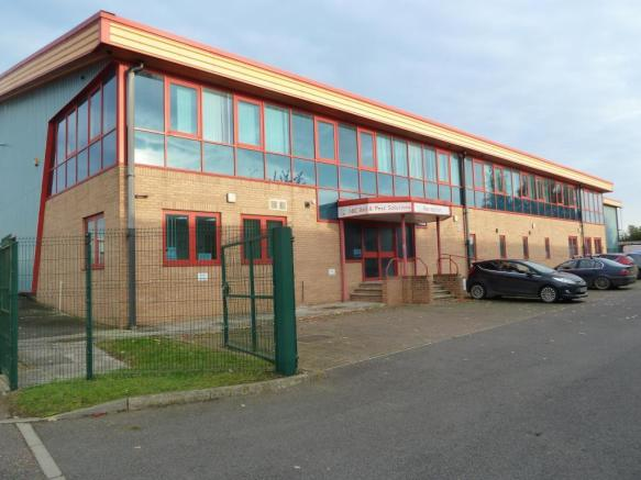 Air conditioned offices with car parking, Attleborough,