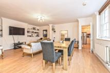 2 bedroom Flat in Florence Street, Angel...