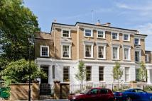 2 bed house to rent in Highbury Crescent...