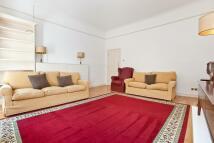 2 bedroom home in Highbury Crescent...