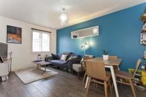 Flat in Dove Road, London, N1
