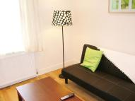 Ground Flat to rent in Cloudesley Road, London...