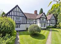 6 bedroom Detached home in Bakers Lane, Knowle