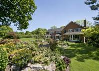 Detached home in Chessetts Wood Road...