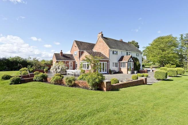 5 Bedroom Detached House For Sale In Chadwick Lane Knowle B93