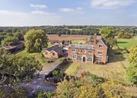 7 bed Detached home for sale in Warings Green Road...