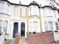 2 bed Flat in Rosebank Grove...