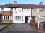 3 bedroom Terraced house in Ridgeway East, SIDCUP...