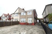 5 bedroom semi detached property in Bellegrove Road, WELLING...