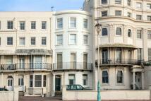 Flat to rent in Marine Parade, Brighton...