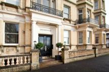 2 bed Flat in Grand Avenue Mansions...