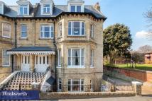Flat to rent in Wilbury Road, Hove...