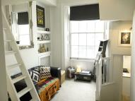 Flat to rent in Oriental Place, Brighton...