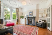 4 bed semi detached property to rent in Walsingham Road, Hove...