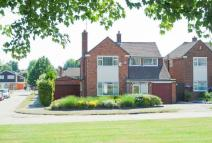 3 bed Detached home for sale in Meredith Close, Pinner...