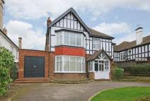 6 bed Detached house in The Avenue, Hatch End...