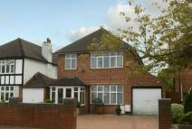 4 bed Detached home in Park Avenue, Ruislip...
