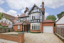 6 bed Detached property for sale in Royston Park Road...