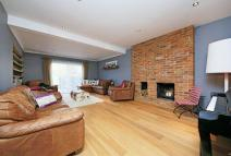 Detached Bungalow in Woodford Crescent...