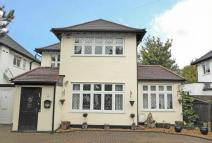 3 bed Detached house for sale in Park View, Hatch End...