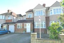 5 bed semi detached home in Holmdene Avenue...
