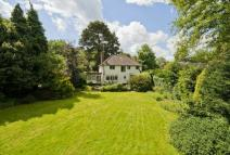 Detached house in Old Hall Drive, Pinner...