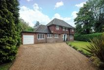 4 bedroom Detached property in Pinner Hill, Pinner...