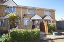 2 bedroom Terraced house in Sandown Court...