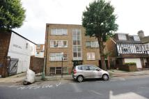 2 bed Flat in York Avenue, Hove