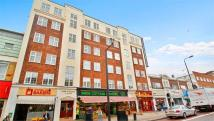 Flat to rent in New College Court, London