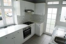 Ground Flat to rent in Oakleigh Road North...