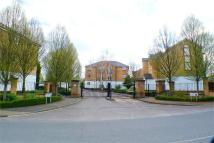 2 bed Flat in Clarence Close, Barnet...