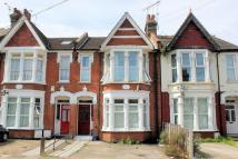 1 bed Ground Flat in Lancaster Gardens...