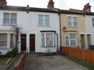 Terraced home to rent in North Road...