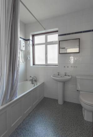 Glanville Road - Bromley - Full Bathroom - Oliver Field Associates